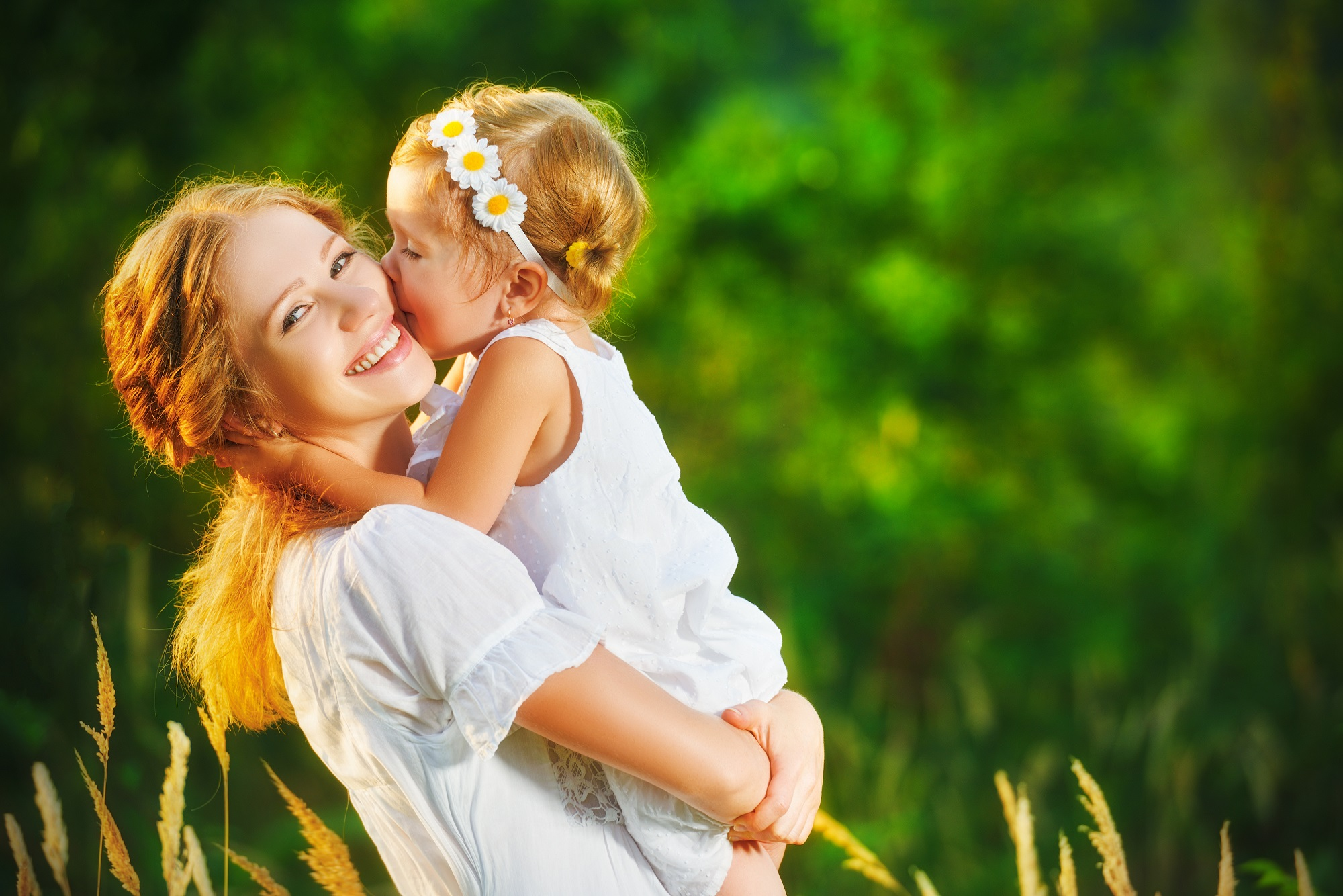 healthy mother and daughter, Peak ENT and Voice Center, Denver Voice Clinic, Denver ENT, Colorado ENT, Denver hearing specialists, colorado ent doctor, ent rhinoplasty specialist, Peak ENT, vocal cord dysfunction